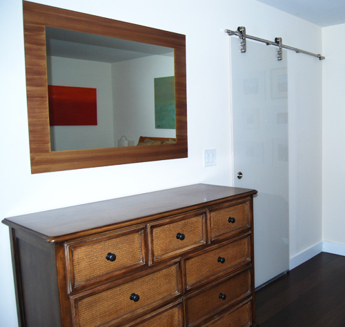 Mirror with painted border