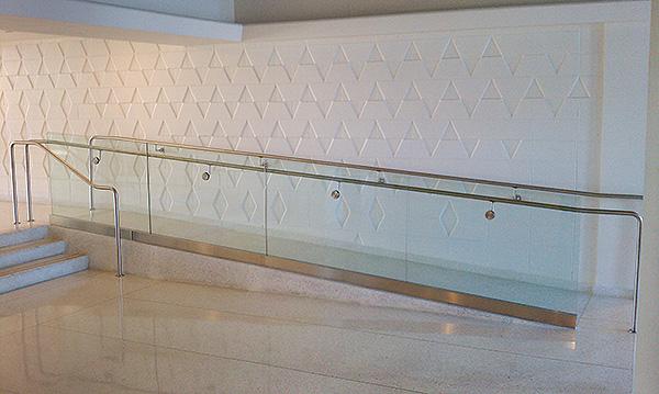 Ada Compliant Railings Artistry In Glass
